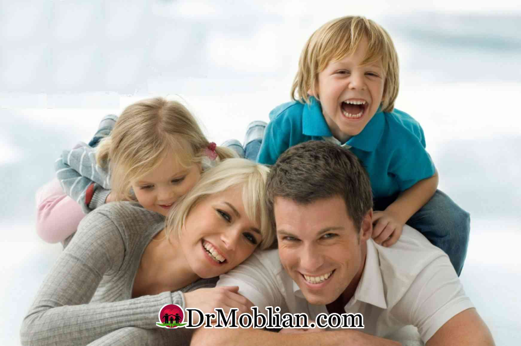 والدین شاد کودکان شاد