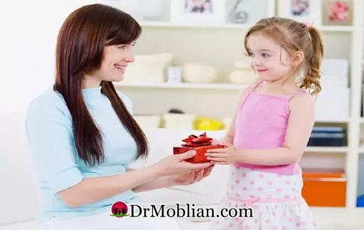 چگونه کودکم را تشویق کنم ؟
